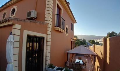 Viviendas y casas en venta con piscina en Cádiz Capital