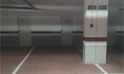Garaje de alquiler en Plaza Castilla 35,  Sevilla Capital