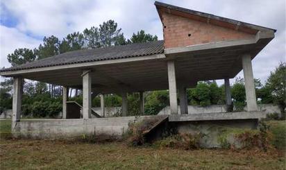Casa adosada en venta en A Baña