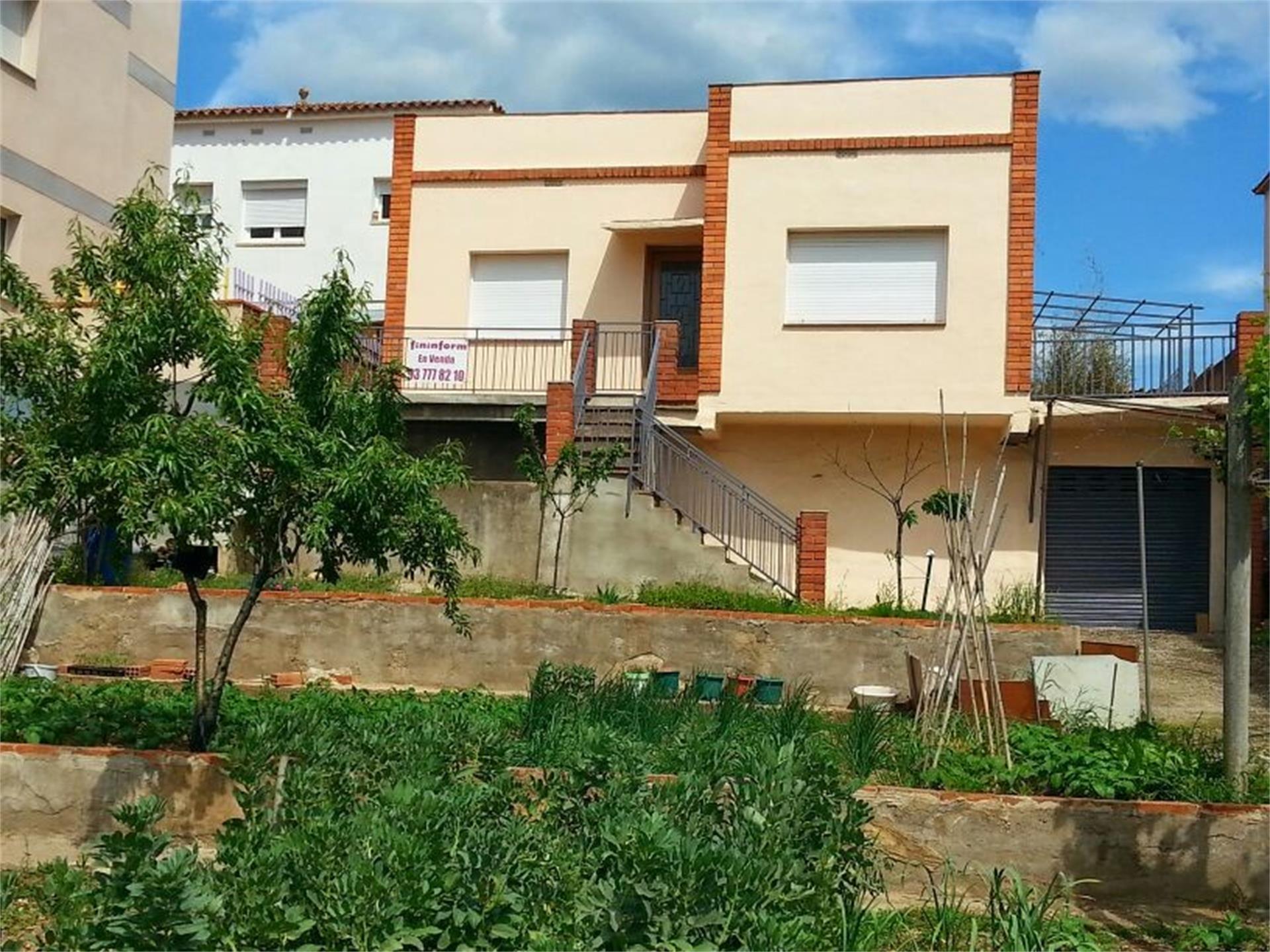 Casa  Carrer freixe. Nucli urbà / carrer freixe