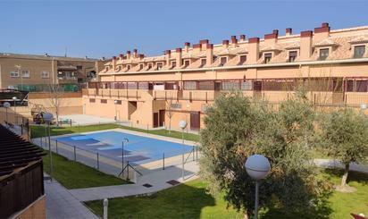 Pisos en venta con piscina en Fuente El Saz de Jarama