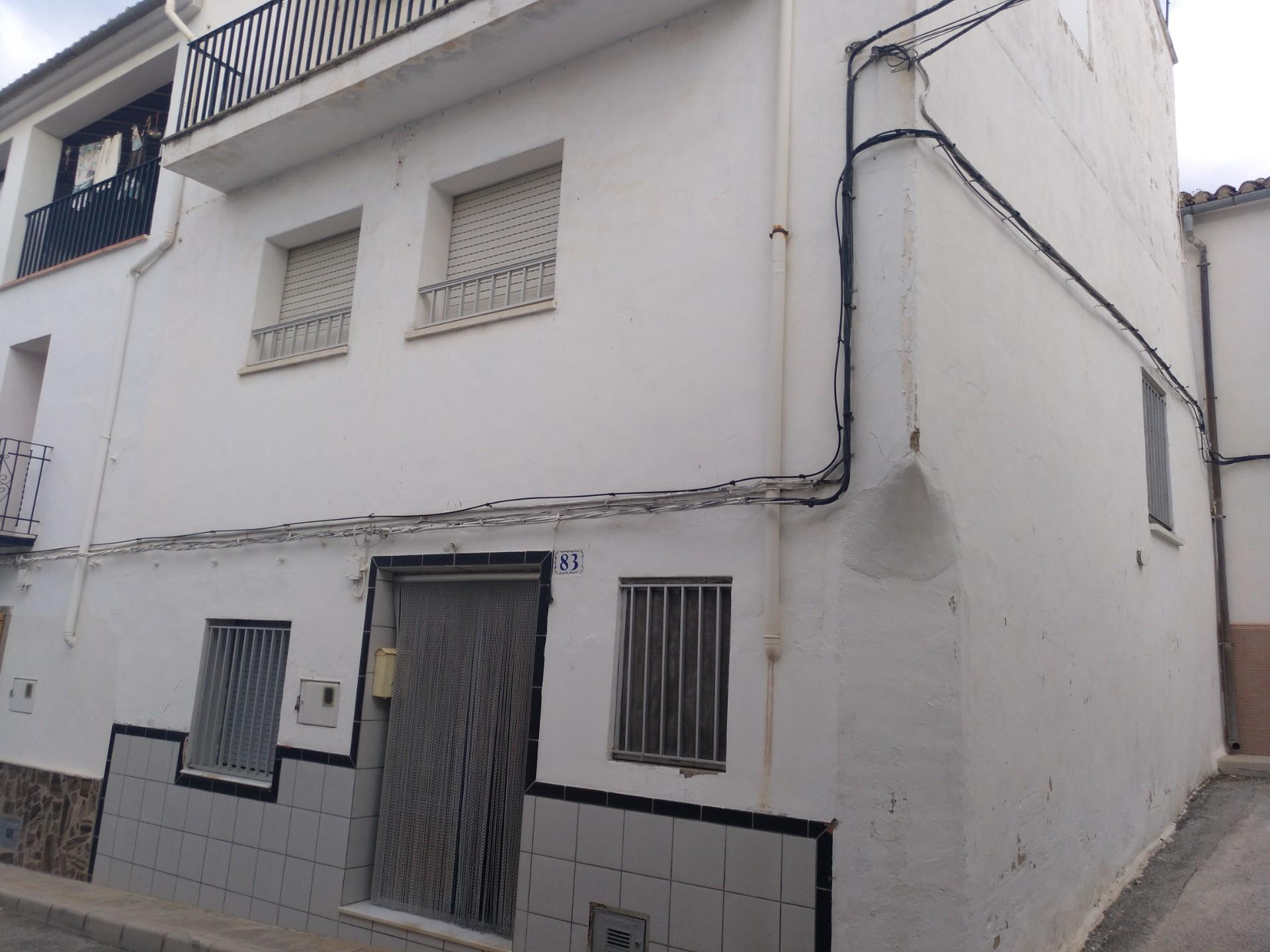 Casa adosada  Calle cueva santa. Beniarrés / calle cueva santa