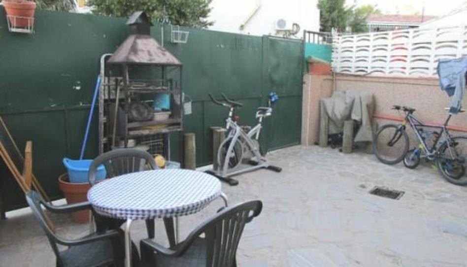 Foto 1 de Casa adosada en venta en Calle Cruces, 3i Corpa, Madrid