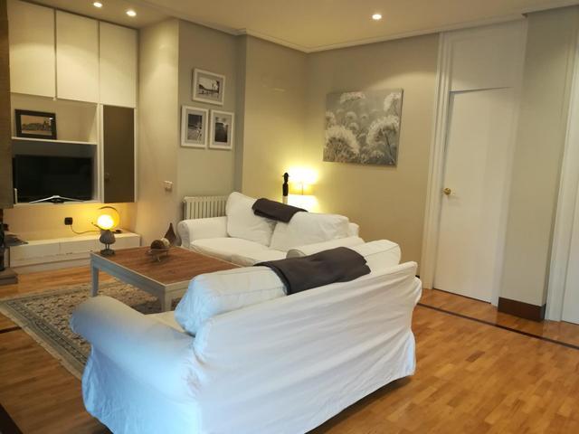 Apartamento en Alquiler en Calle De Hondarribia,