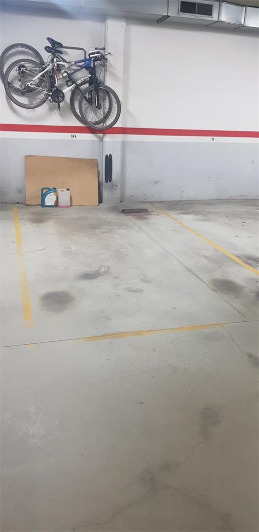 Parking voiture  Carrer brasil. Sant andreu de la barca / carrer brasil