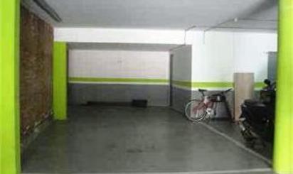 Garage zum verkauf in Tiana