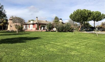 Casa adosada en venta en Plaza Ruiseñor, Serracines