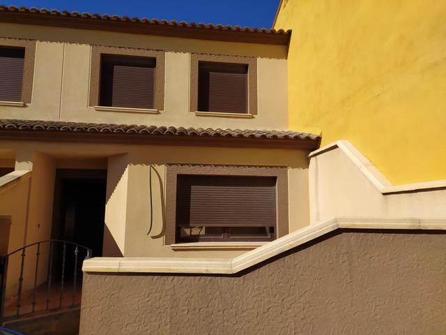 Casa adosada en Venta en Calle Peñicas de Mahora,