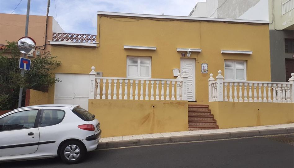 Foto 1 de Casa adosada en venta en Calle la Candelaria, 17 Arafo, Santa Cruz de Tenerife