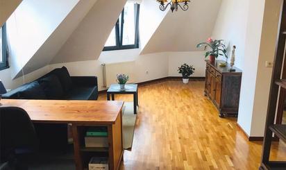 Apartamento de alquiler en Calle Los Sauces, 1, Milán - Pumarín