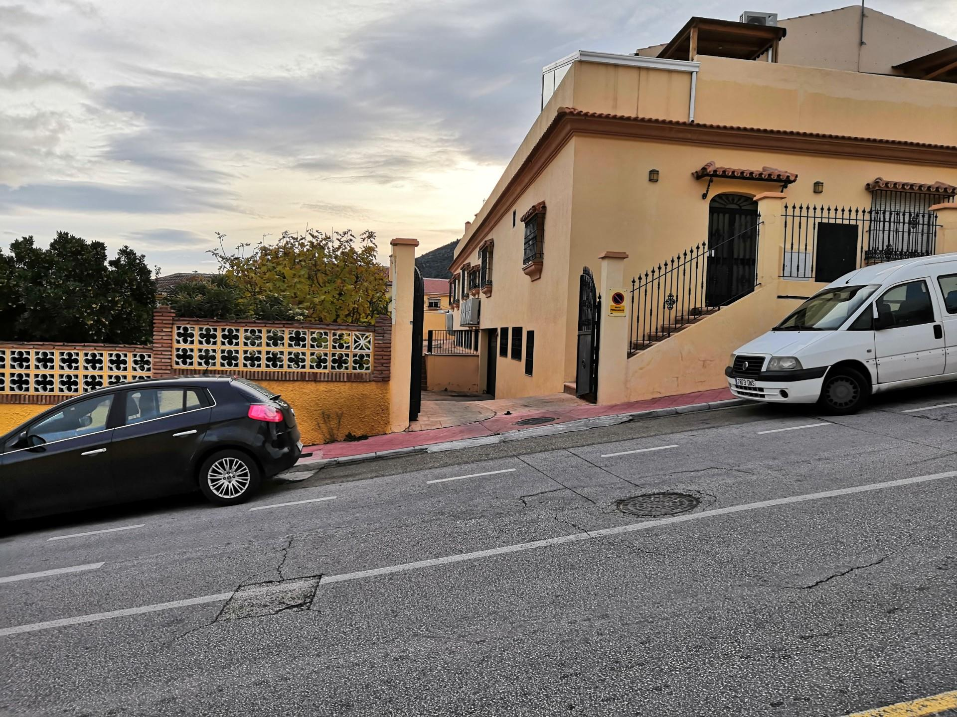 Garaje de alquiler en Avenida Malagueñas, 1a Jardines de Alhaurín - Huerta Alta - Fuensanguínea (Alhaurín de la Torre, Málaga)