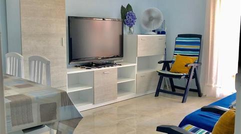 Foto 4 de Apartamento de alquiler en Avenida Papa Luna E Ochenta y Cinco Playa Norte, Castellón