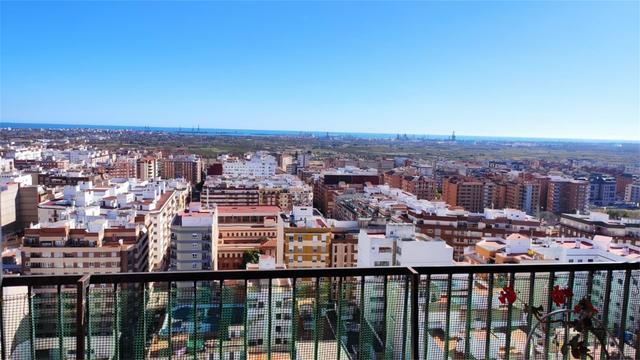Piso en Alquiler en Calle Herrero,  de Castellón d