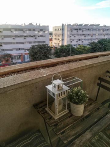Piso en Alquiler en Calle Afrodita,  de  Sevilla C