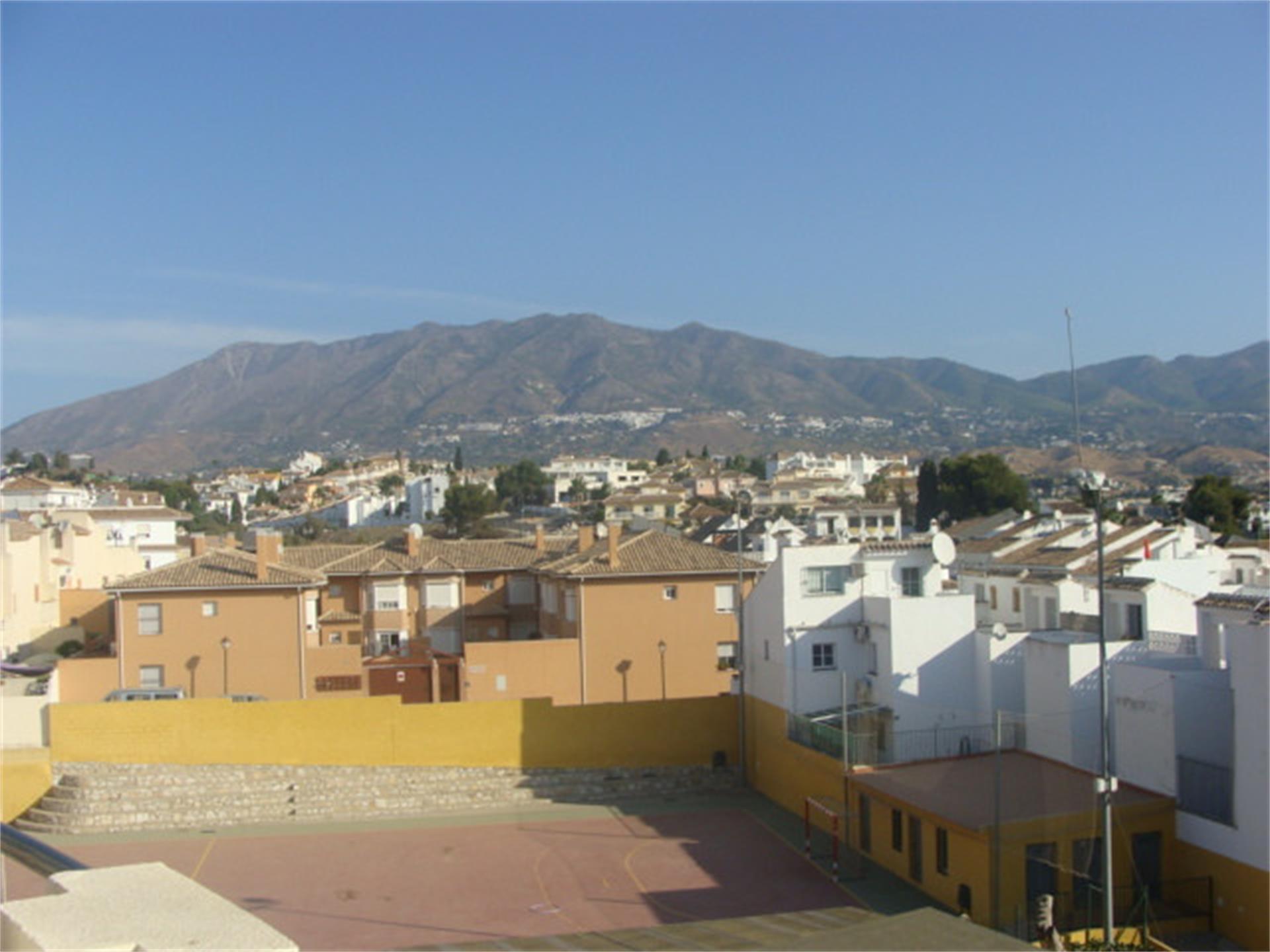 Ático de alquiler en Las Cañadas (Las Lagunas de Mijas, Málaga)