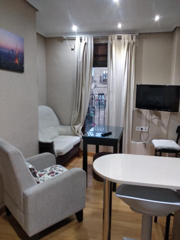 Apartamento en Alquiler en Calle Sánchez Arjona, 9