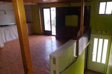 Casa adosada de alquiler en Calle Cerrada, Aguarón