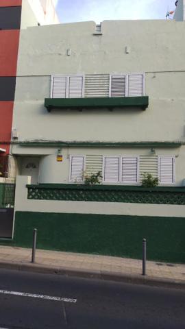 Piso en Alquiler en Calle Domingo J. Manrique de