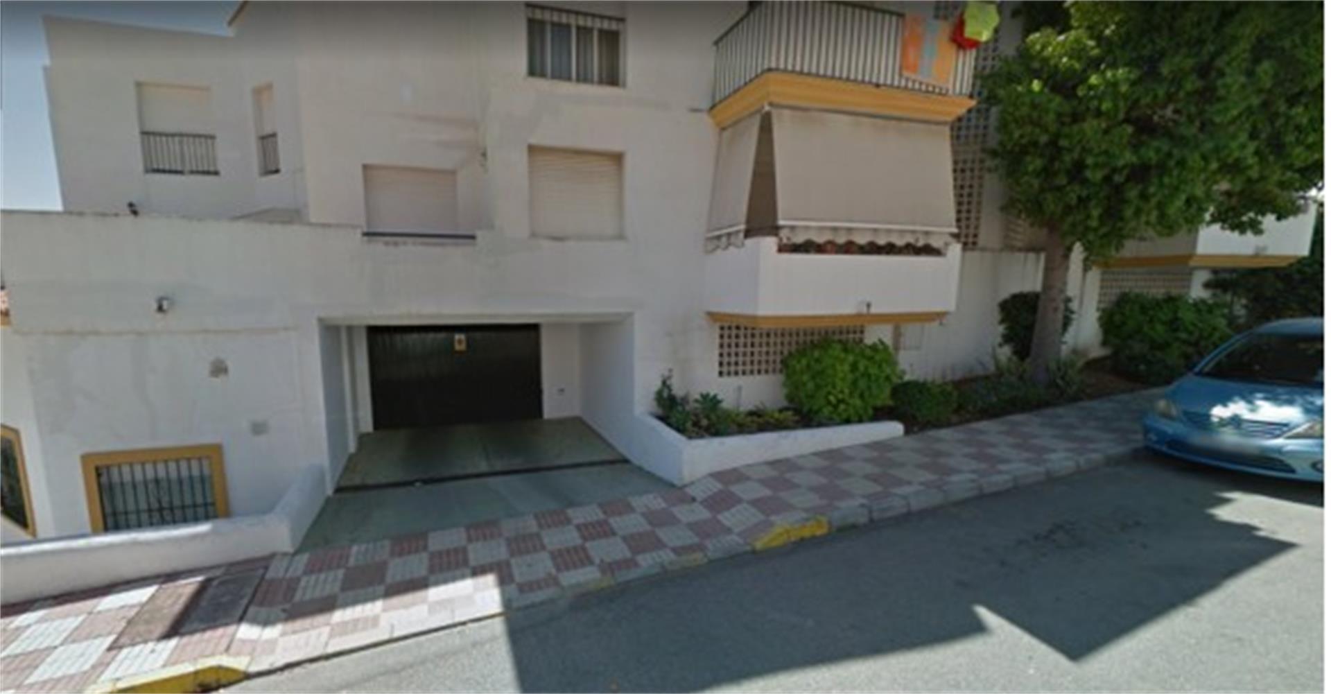 Garaje de alquiler en Camino Embalse del Taraje Bel Air - Cancelada - Saladillo (Bel-Air, Málaga)