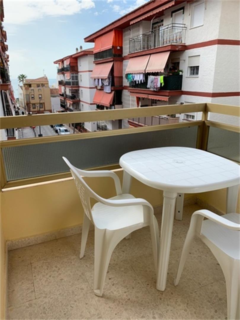 Piso de alquiler en Plaza Av. Málaga, Nº 83 La Cala del Moral (La Cala del Moral, Málaga)