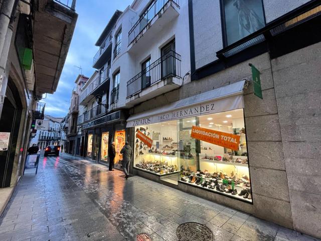 Local comercial en Alquiler en Calle Mayor De Rein