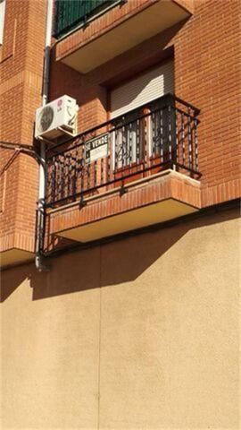 Piso en Venta en Calle Cantón de Pradejón, Pisos P
