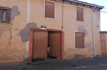 Casa adosada en venta en Calle Puente, 10, Villaturiel