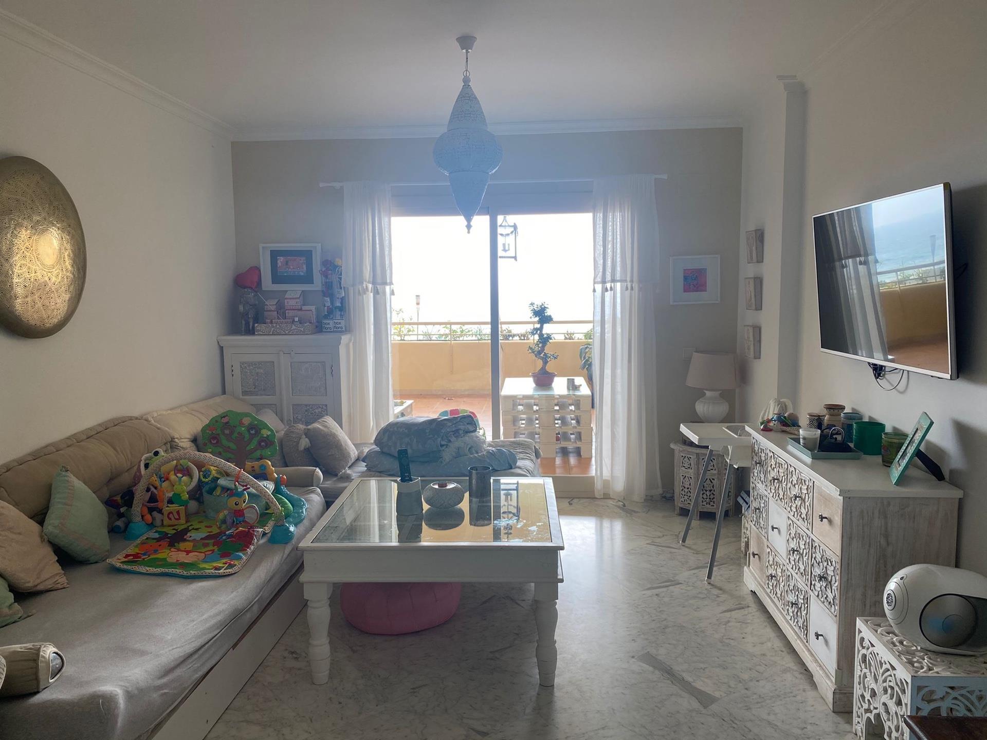 Piso de alquiler en Calle Acebo El Faro de Calaburra - Chaparral (Mijas, Málaga)