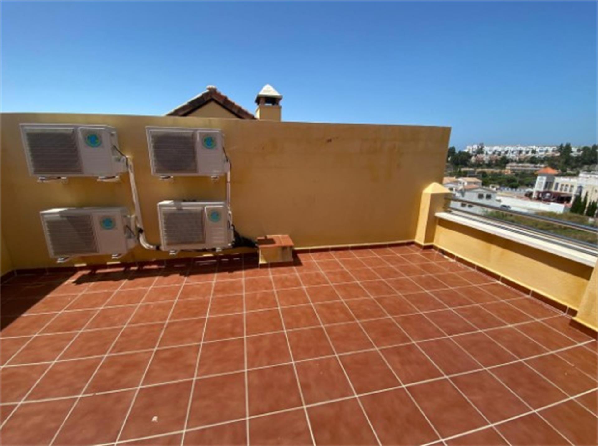Casa adosada de alquiler en Calle Santa Teresa de Calahonda Calahonda (Mijas, Málaga)