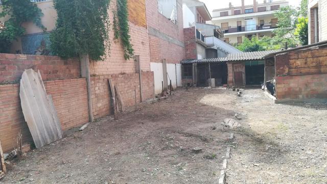 Terreno en Venta en Calle Agustina De Aragón de Bi