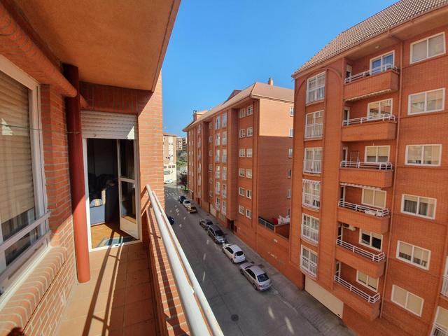 Piso en Venta en Avenida De Portugal, C de Zamora