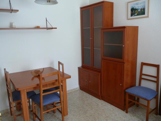 Apartamento en Alquiler en Calle Fuenteheridos de
