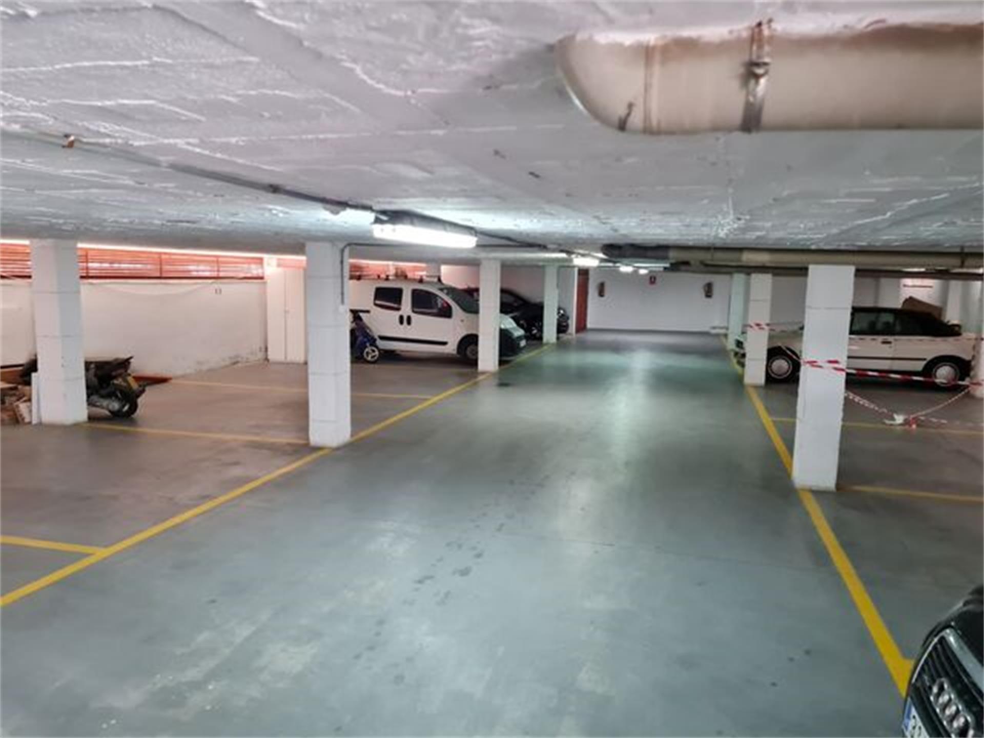 Garaje de alquiler en Plaza C/ Frigiliana 4, Edf Carabeo II Nueva Nerja (Nerja, Málaga)