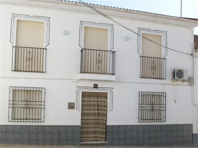 Chalet en Venta en Calle Centro de Moclín,  Moclín