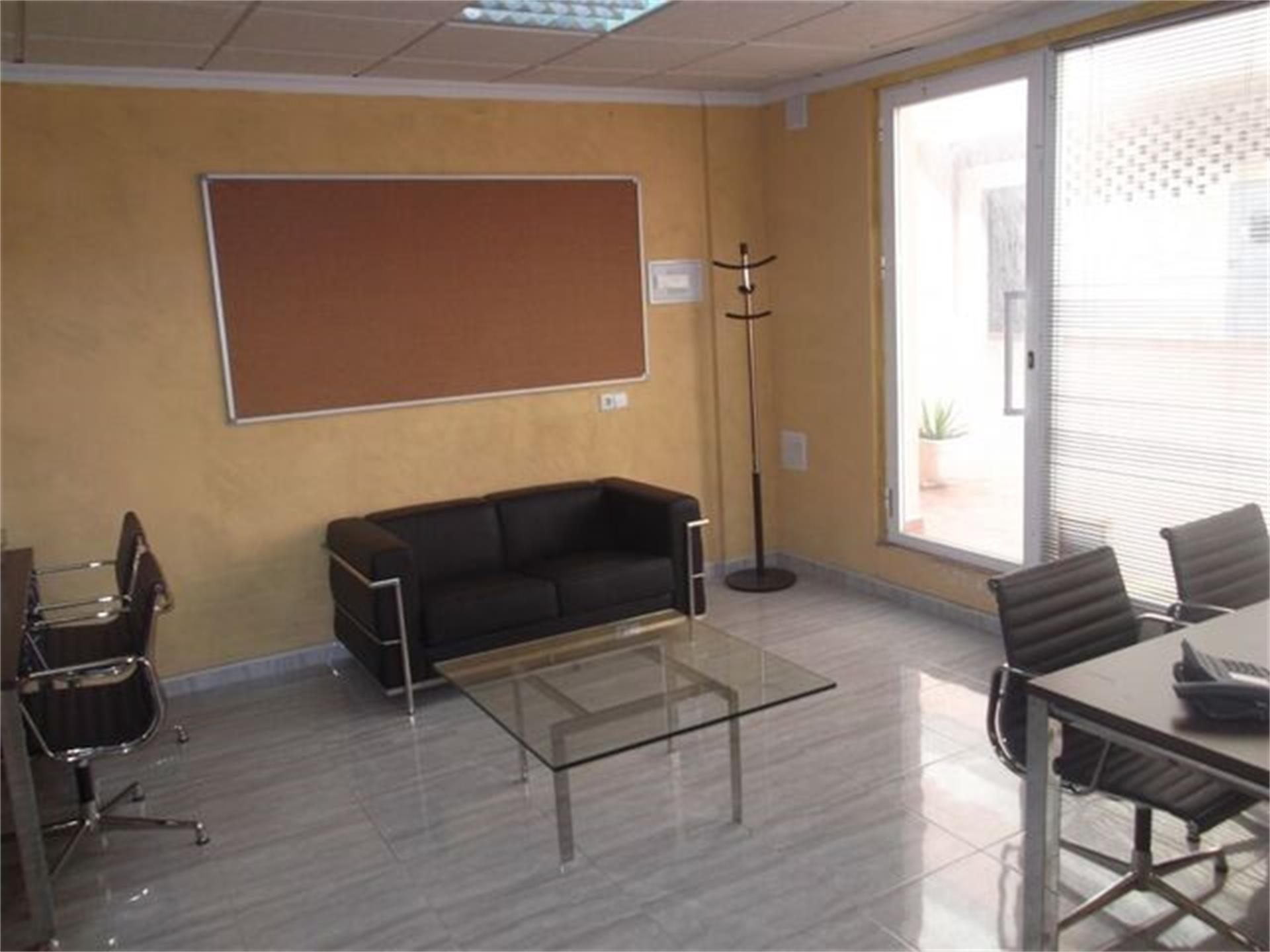 Local de alquiler en Plaza Conjunto Maria Teresa San Luis de Sabinillas (San Luis de Sabinillas, Málaga)
