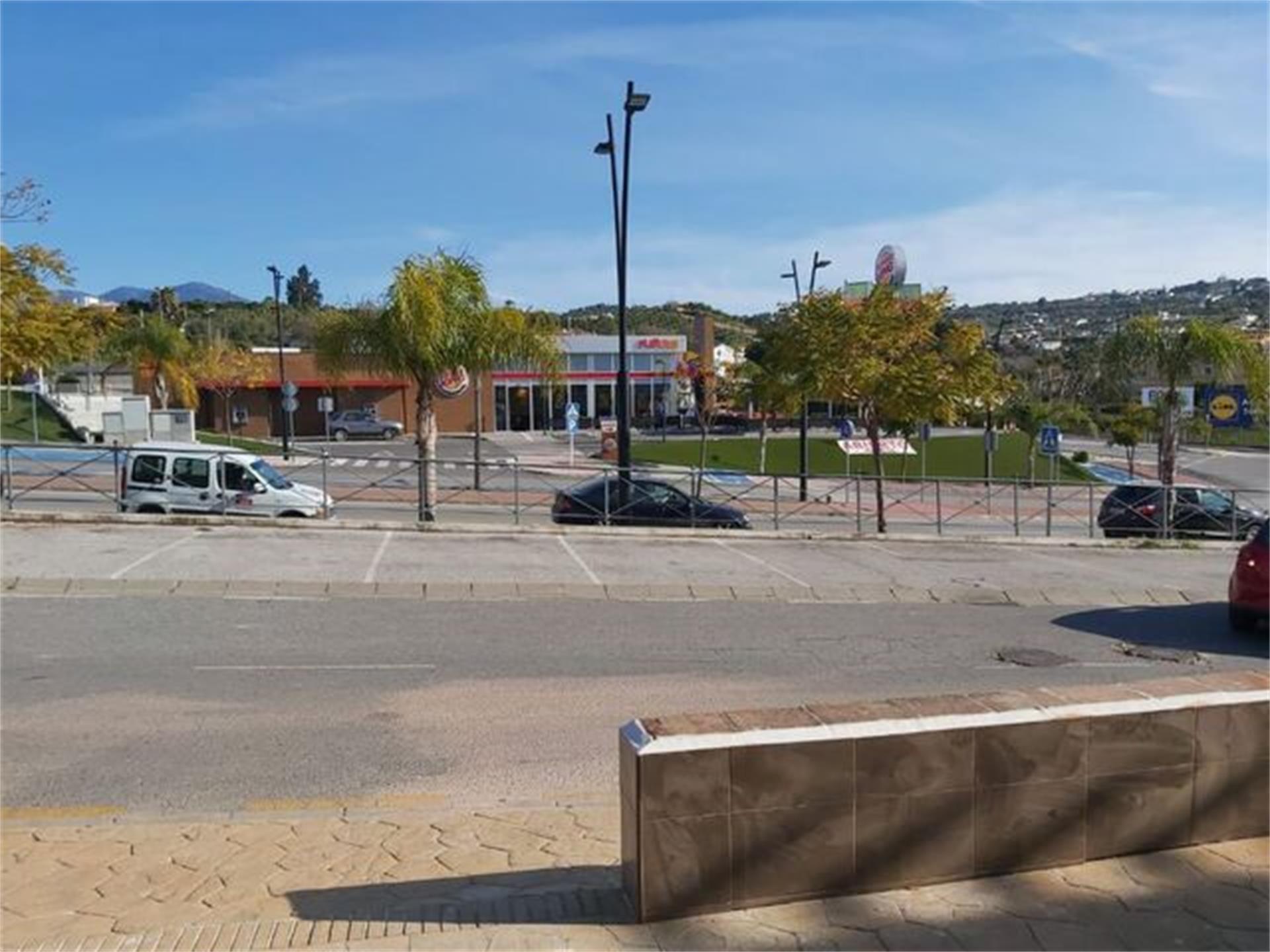 Local de alquiler en Coín (Coín, Málaga)