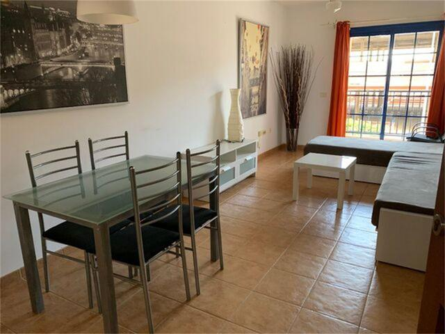 Apartamento en Alquiler en Plaza Residencial El Fa