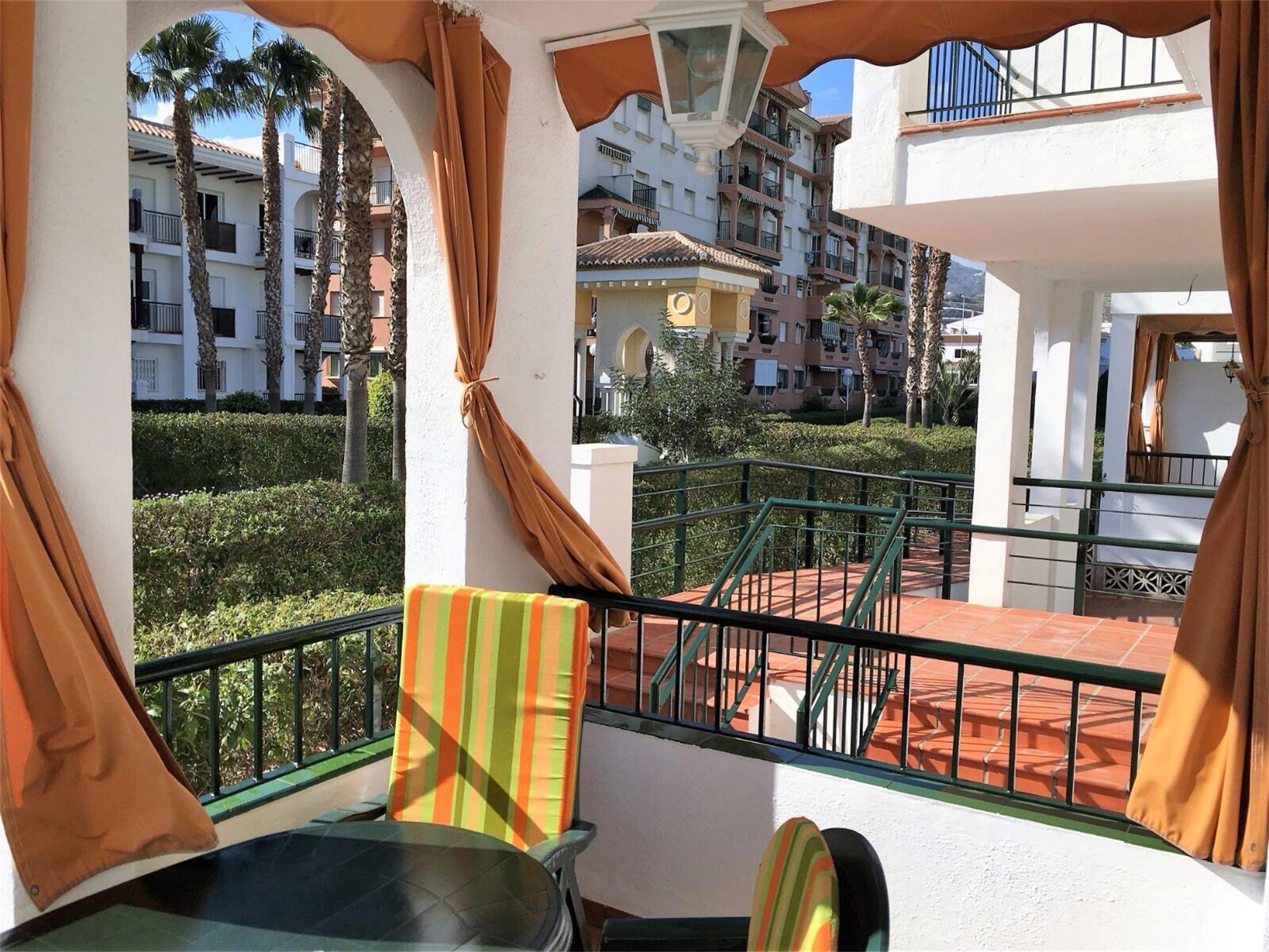 Apartamento de alquiler en Urbanización Laguna Beach Laguna Beach (Torrox, Málaga)