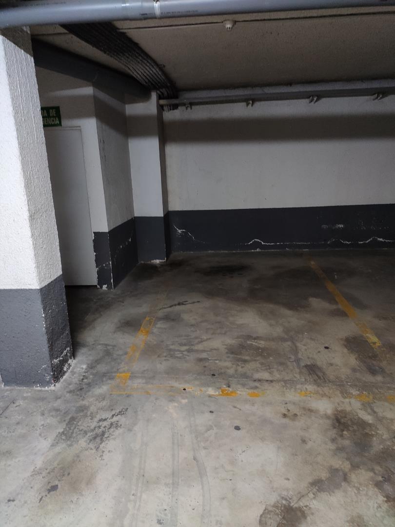 Car parking  Calle santos de la piedra. Centro / calle santos de la piedra