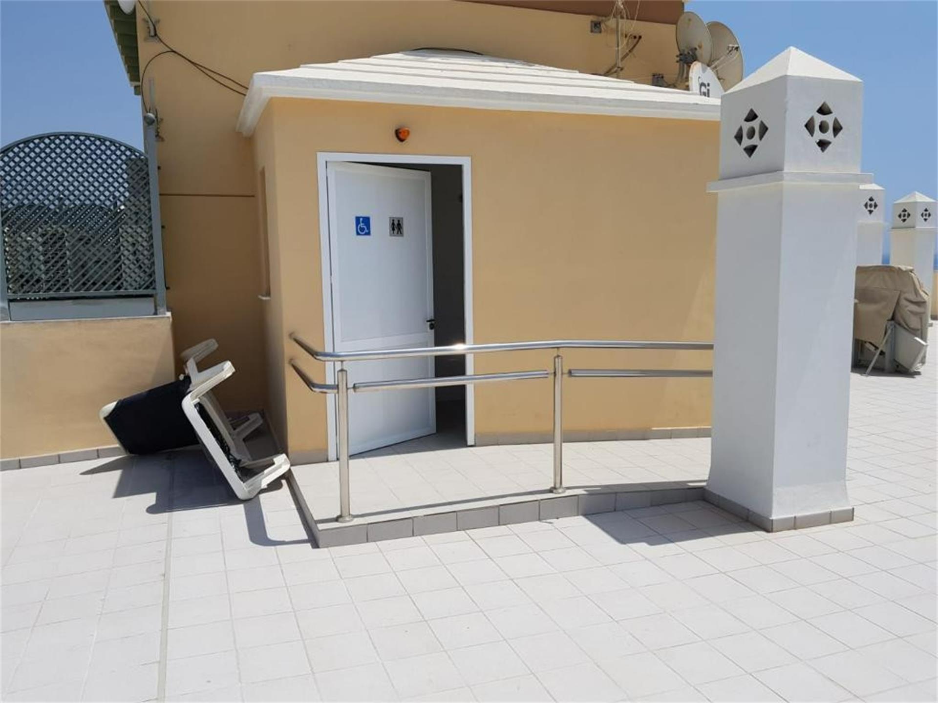 Piso de alquiler en Calle Carretera de Almería, . El Peñoncillo (Torrox, Málaga)