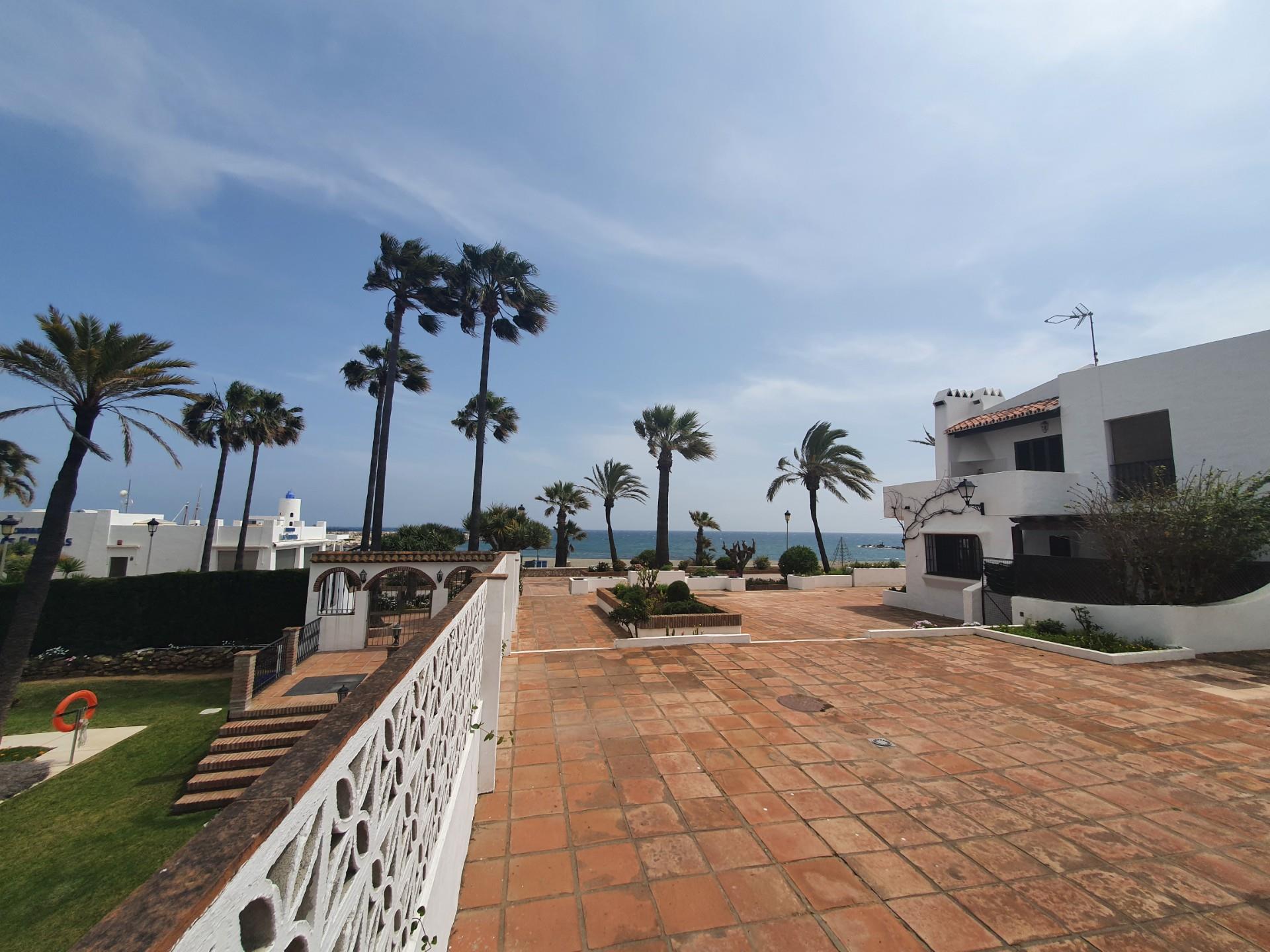 Apartamento de alquiler en Calle Dorada Puerto de la Duquesa (La Duquesa, Málaga)