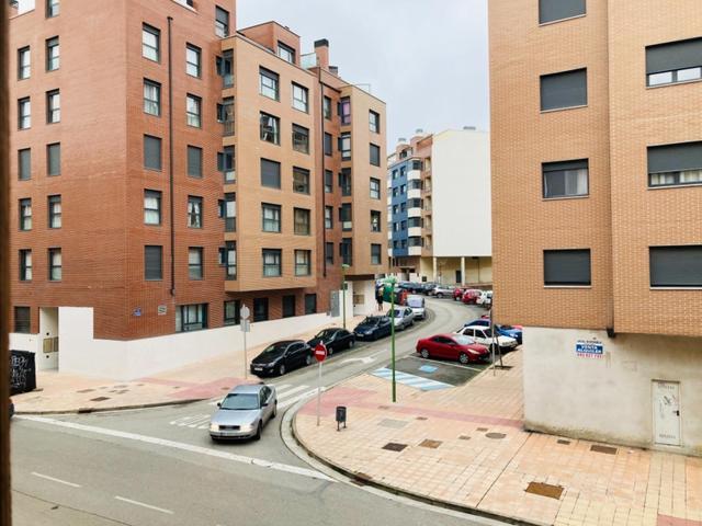 Apartamento en Venta en Calle Santo Toribio de Bur