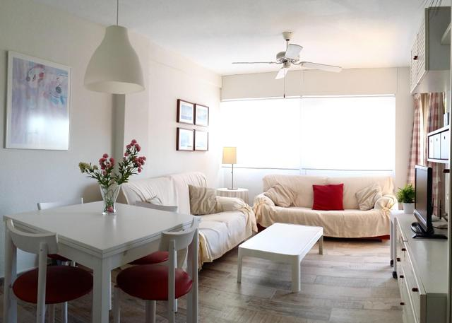 Apartamento en Alquiler en Calle Conde Bau,  de Be