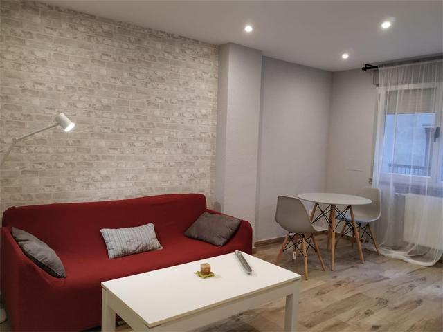 Apartamento en Alquiler en Calle Isidro Segovia, 1