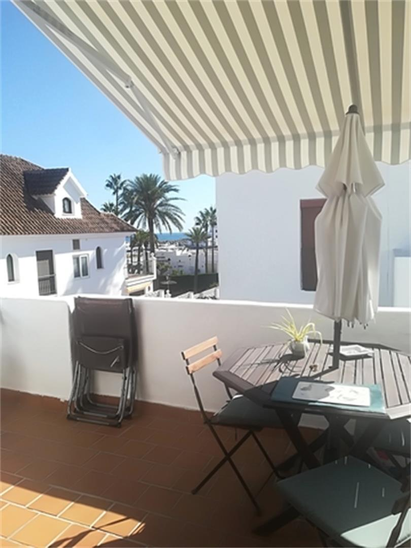 Apartamento de alquiler en Plaza Algeciras Puerto de la Duquesa (La Duquesa, Málaga)