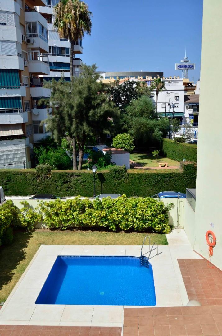 Piso de alquiler en Calle San José, 33 Las Cañadas (Las Lagunas de Mijas, Málaga)