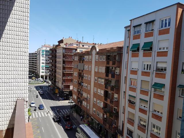 Piso en Alquiler en Calle Chile, 6 de  Logroño, Pi