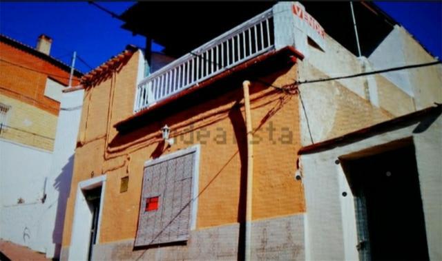 Casa adosada en Venta en Calle Del Castillo, 9 de