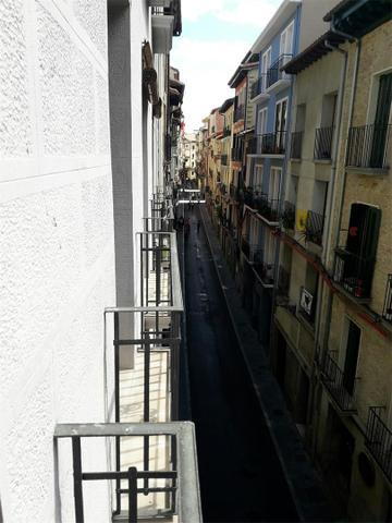 Piso en Alquiler en Calle Joaquín Jarauta,  de  Pa
