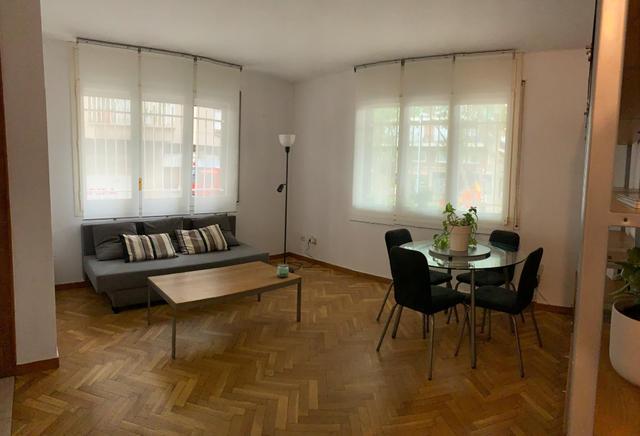 Apartamento en Alquiler en Carrer De Santa Peronel